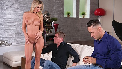 Double action for tearing apart Shalina Devine wet pussy GP1843
