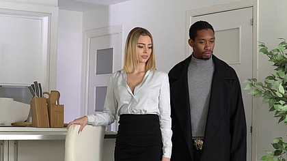 Real Estate Agent Lya Missy Gets Fucked GP1643